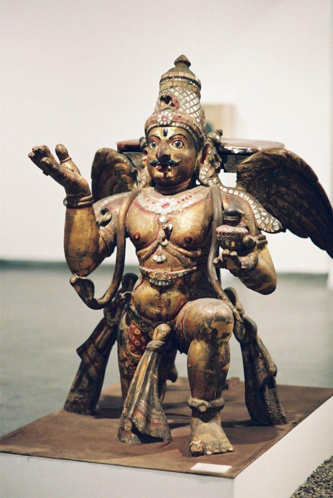 Статуя Гаруды