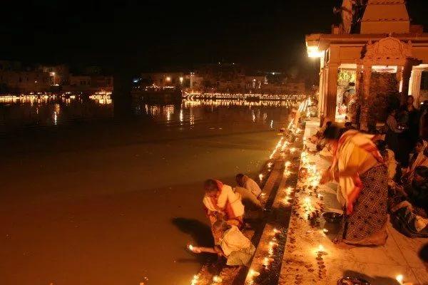 Дивали на Радха-кунде