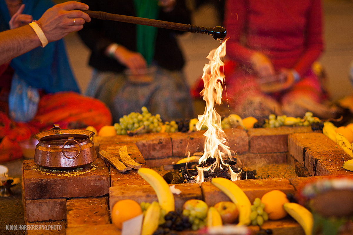 ягья - огненное жертвоприношение